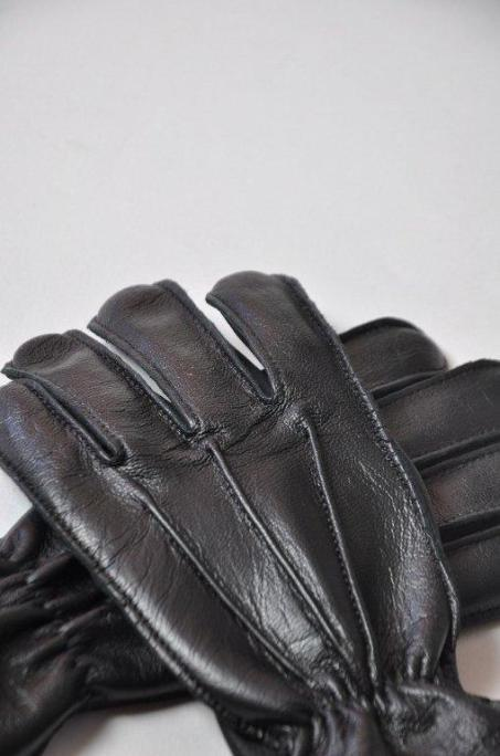 70TH ANNIVERSARY ALL SEASONS GLOVE 03.jpg