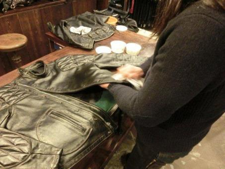 Leather Maintenance Days 05.jpg