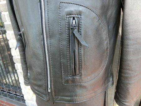 Square Bottom Vest with Straight Front Zipper 04.jpg